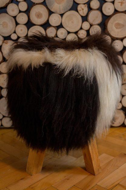 Krzesło ze skóry owczej